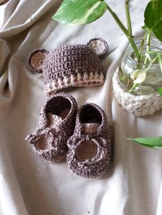 baby bear hat and bootie by hana31 on Etsy, $32.00