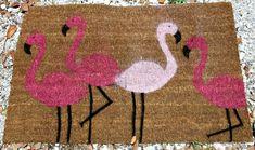 DIY Flamingo Doormat #DIY #HomeDecor #Decor #Decorate #Decorations #Flamingos #Doormats