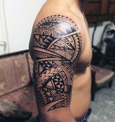Half Sleeve Maori Male Tattoo Design Ideas With Black Ink #samoantattoosshoulder #samoantattoosmale