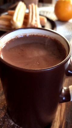 Hot Chocolate with Orange peel and cinnamon. Chocolate Videos, Café Chocolate, Chocolate Lasagna, Chocolate Smoothie Recipes, Xmas Food, Chocolates, Sweet Recipes, Food And Drink, Desserts