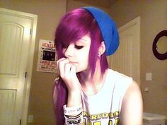 Find images and videos about pink hair, beanie and purple hair on We Heart It - the app to get lost in what you love. Emo Scene Hair, Emo Hair, Cute Emo Girls, Alternative Hair, Coloured Hair, Scene Girls, Dye My Hair, Cool Hair Color, Hair Colors
