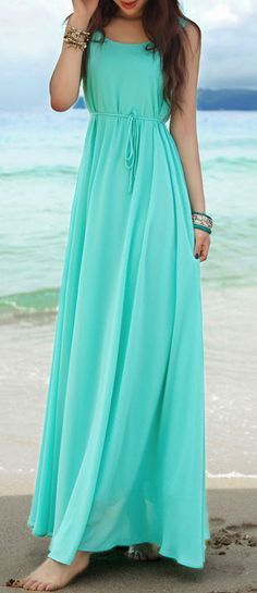 Maxi dress- would be adorable with a shrug!!