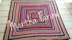 Ateliê Martha Farineli: Tapete quadrado de crochê em barbante colorido