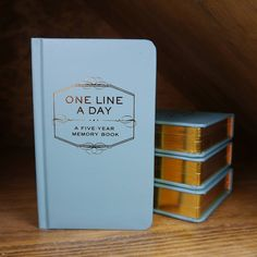 One Line A Day Five Year Diary, Begolden