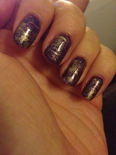 Dry brush nail art