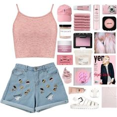"35 aprecieri, 1 comentarii - Brandy Slone (@_moon_drip_) pe Instagram: "". . . . . #makeup #hair #vans #jacket #plants #polyvore #birkenstock #sweaters #socks #glasses…"""