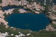 Lac de Nielluccio (en corse Lavu Niidducciu) est un lac de Haute-Corse et est situé entre le Monte Renoso et la crête de Ventosa (1 954 m) sur la commune de Ghisoni et fait partie des cinq lacs autour du Monte Renoso (2 352 m) et du bassin versant du Fiumorbo.