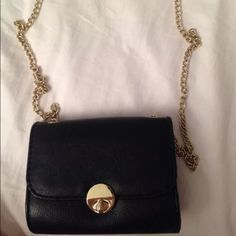 H&M crossbody Used once. Super cute. No scratches or scuffs. Excellent condition H&M Bags Crossbody Bags