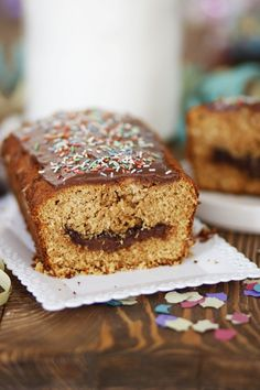 Banana Bread, Sweets, Desserts, Food, Cakes, Tailgate Desserts, Deserts, Gummi Candy, Cake Makers