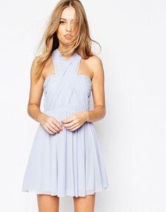 Vestidos curtos perfeitos para madrinhas e convidadas __ #convidadas #guests #look #lookdefesta #oquevestirnumcasamento #howtodressforawedding