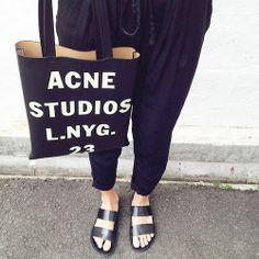 Lovely Stockholm Studios. Hier entdecken und kaufen: http://sturbock.me/sk2