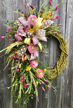 Awesome Spring Wreaths Decor Ideas and Design Celebrate spring and the retu. Awesome Spring Wreaths Decor Ideas and Design Celebrate spring and the return of flowers and g Diy Spring Wreath, Spring Crafts, Easter Wreaths, Holiday Wreaths, Deco Mesh Wreaths, Door Wreaths, Floral Wreaths, Sunflower Wreaths, How To Make Wreaths