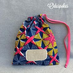 African Print Fashion, Fashion Prints, Mode Wax, African Crafts, Drawstring Backpack, Fashion Ideas, Diy Ideas, Backpacks, How To Wear