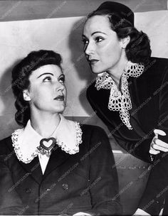 photo cool candid Fay Wray and Dolores Del Rio 593-35