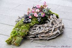 Funeral Flower Arrangements, Modern Flower Arrangements, Grave Flowers, Funeral Flowers, Grave Decorations, Flower Decorations, Funeral Tributes, Sympathy Flowers, Flower Art