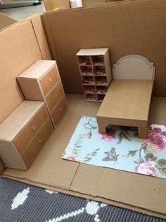 Shoe Box Decoration Ideas Best Of Bedroom Diorama Diorama – cardboard crafts diy Diy Cardboard Furniture, Diy Barbie Furniture, Cardboard Crafts, Dollhouse Furniture, Furniture Ideas, Cardboard Dollhouse, Wooden Dollhouse, Diy Dollhouse, Doll House Plans