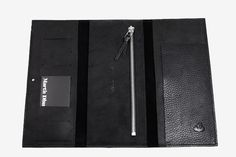 Hamilton wallet Martin Dust slots for cards  Two pockets Zipped pocket leather wallet cuire black minimalist made in Montréal