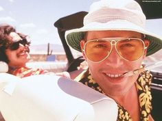 Still of Johnny Depp and Benicio Del Toro in Fear and Loathing in Las Vegas. Johnny Depp as hunter s . Hunter S Thompson, Fear And Loathing, Ryan Gosling, Film Mythique, Harley Queen, Terry Gilliam, Johnny Depp Movies, Image Film, The Lone Ranger