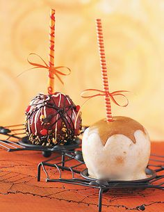 How to Make Caramel Apples from Taste of Home
