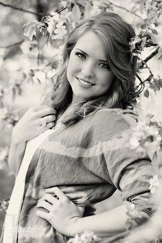 Bailee ~ St. Louis High School Senior Photography ~ Tara Price Photography