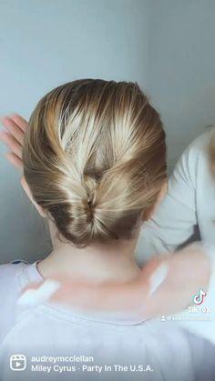 Bun Hairstyles For Long Hair, Girl Hairstyles, Long Hair Dos, Easy Hairstyles For Kids, Hairdos, Girl Hair Dos, Kid Hair, Baby Girl Hair, Medium Hair Styles