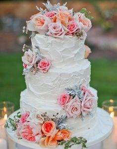 Simple but beautiful wedding cake using fresh flowers