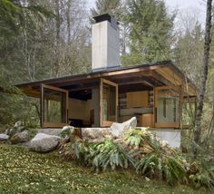 Tye River Cabin in Washington by Olson Kundig Architects; photo by Tim Bies
