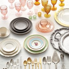 Looking for some rentable table decor? Check out Casa de Perrin for some chic china