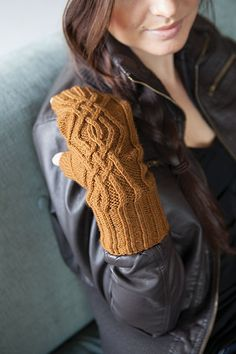 Kyoko Toque & Mitts Knitting Pattern - from the Knit Picks Reclaimed collection.