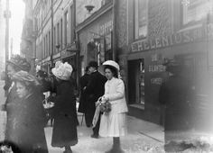 30 Fascinating Vintage Photos Capture Street Scenes of Helsinki, Finland in the Rare Photos, Old Photos, Vintage Photos, Past Life, Historical Pictures, Helsinki, Victorian Era, Ancient History, Old World