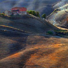 Farmhouses of Tuscany .. by Edmondo Senatore, via 500px