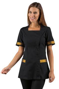 Acheter cette tunique esthéticienne noire et dorée manches courtes de ISACCO, vendue sur la boutique mylookpro.com dans la catégorie Tuniques manches courtes. On adore sa féminité grâce à ses bordures dorées. Confortable, jolie, cette tenue professionnelle est idéale pour les métiers de l'esthétique ou du médical.