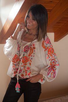 """ : Alice rises up Hippie Chic, Bohemian Style, Boho Chic, Boho Outfits, Spring Outfits, Casual Outfits, Ethnic Fashion, Boho Fashion, Womens Trendy Tops"