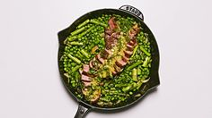Skillet Steak with Veggies & Mint-Mustard Sauce is an elegant, but easy, dinner. Steak, peas & asparagus cook together in one pan! Skillet Steak, One Skillet Meals, Skillet Recipes, Healthy Recipes, Beef Recipes, Cooking Recipes, Healthy Food, Healthy Eating, Muesli