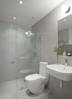 litet badrum - Sök på Google Bathroom Inspo, Bathroom Styling, Bathroom Inspiration, Bathroom Designs, Bathroom Ideas, Bathroom Renos, Bathroom Interior, Small Wet Room, Bathroom Shower Enclosures