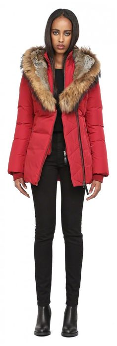 Mackage - Manteau d'hiver Akiva disponible en taille XXS - prix régulier 850,00$