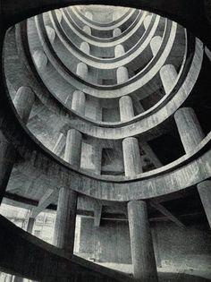 Brutalism: 1958 garage parking in Bruxelles Concrete Architecture, Amazing Architecture, Architecture Details, Landscape Architecture, Interior Architecture, Classical Architecture, Luigi Snozzi, Photo D'architecture, Arte Yin Yang