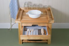 Cooking Table drawer open PL0075