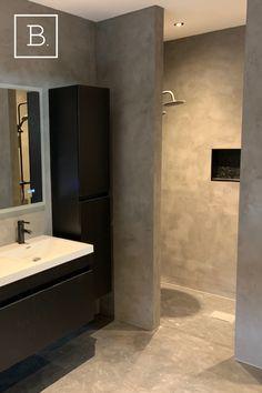 Bathroom Plans, Hall Bathroom, Upstairs Bathrooms, Bathroom Design Luxury, Modern Bathroom Design, Concrete Bathroom, Bathroom Design Inspiration, House Rooms, Ideas