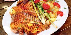 Χοιρινές μπριζόλες κόντρα, με γρήγορο στεγνό μαρινάρισμα σε κρεμμύδι και πάπρικα Turkey, Meat, Food, Red Peppers, Turkey Country, Essen, Meals, Yemek, Eten