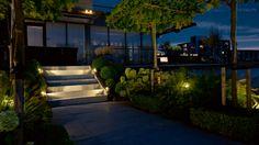 Tuin | Dakplantaan | buitenverlichting | Staande lamp FISH EYE | trap uitgelicht door FISH EYE WALL