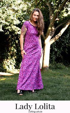 Lady Lolita ist ein Damen Schnittmuster in Gr. 36-50 um ein Maxikleid zu nähen oder für ein Shirt mit Schulterraffung. #nähenfürmich #nähenfürdamen #kleidnähen Tori Amos, Lady, Crafting, Blog, Sew Dress, Sew Bags, Daughter, Sewing Patterns, Clothing Apparel