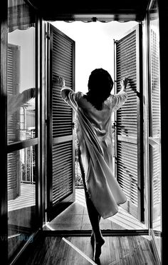 good morning welcome to the world! Boudoir Photography, Portrait Photography, Good Morning Sun, Photographie Portrait Inspiration, Black And White Pictures, Black And White Photography, In This Moment, Feelings, Praslin Seychelles