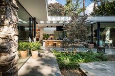 Villa W - HOOG.design - Exclusive living inspiration in the United Kingdom Villa Design, House Design, Design Design, Eindhoven, Conception Villa, Bungalow, Modern Entrance Door, Modern Home Interior Design, Exterior