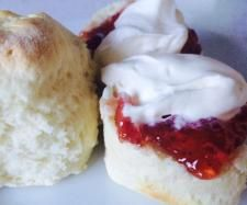 Recipe Easy Scones by MumaKane, learn to make this recipe easily in your kitchen machine and discover other Thermomix recipes in Baking - sweet. Bake Off Recipes, Cake Recipes, Cooking Recipes, Thermomix Bread, Thermomix Desserts, Savory Scones, Recipe Filing, Caking It Up, Pain