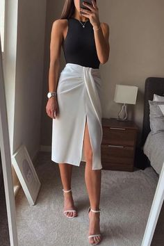 Mode Outfits, Trendy Outfits, Fashion Outfits, Classy Chic Outfits, Cute Work Outfits, Workwear Fashion, Work Fashion, Workwear Skirts, Looks Chic