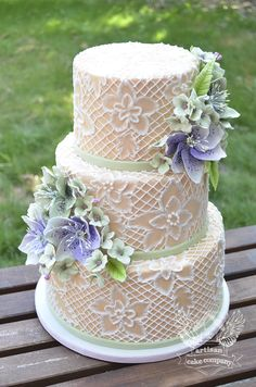 One of a Kind Wedding Cakes from Artisan Cake Company. To see more: http://www.modwedding.com/2014/04/09/one-kind-wedding-cakes-artisan-cake-company/ #wedding #weddings #cake #dessert #reception