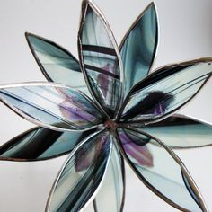 3D Stained Glass Suncatcher  In Full Bloom Iridescent door LAGlass, $42.00