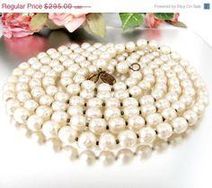 MIRIAM Haskell Baroque Pearl Necklace Cream