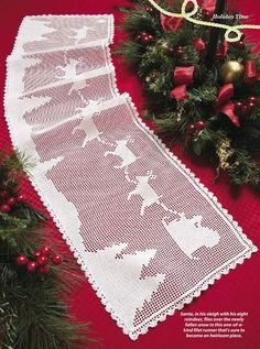 Christmas runner filet work with diagram